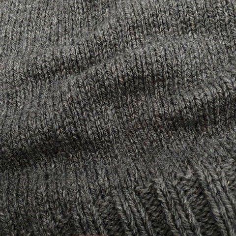 Dutch wool taupe detail breisel.