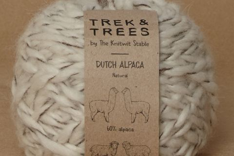 Dutch alpaca wool packshot.