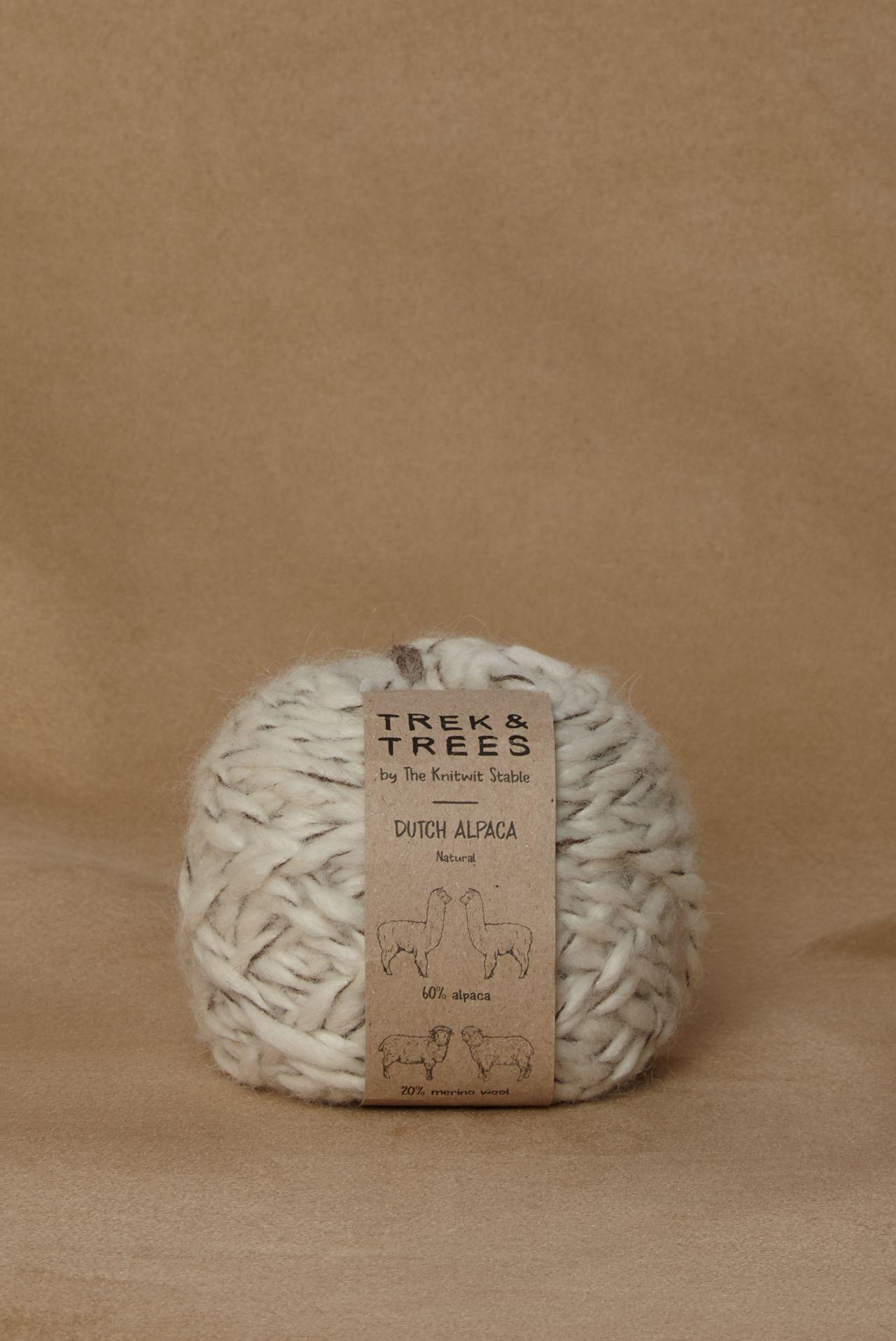 Dutch alpaca wol packshot.