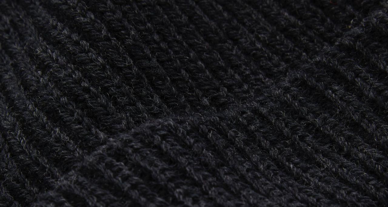 Merino dark grey detail knit.