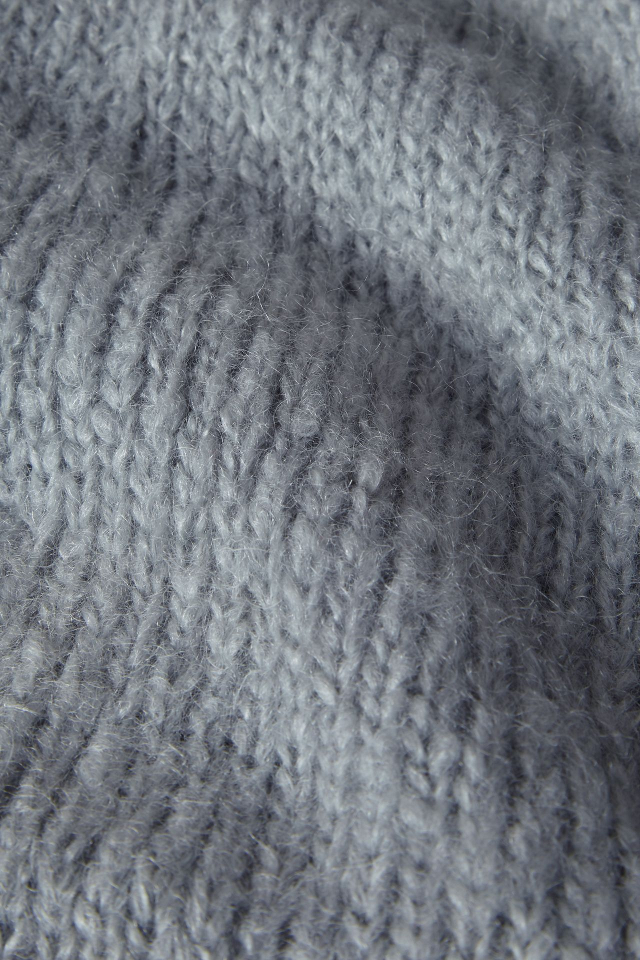 Mohair light blue detail breisel.