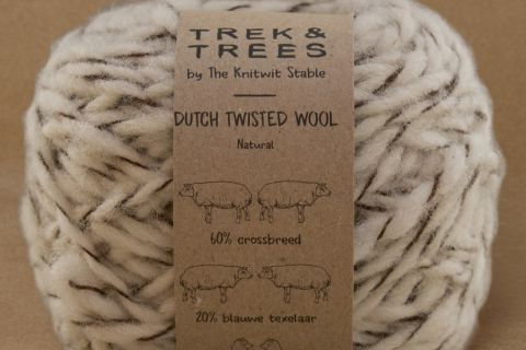 Dutch twisted wool garen.