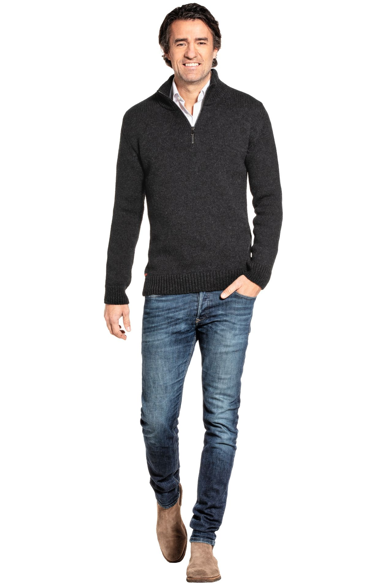 Joe Merino trui gedragen door model.