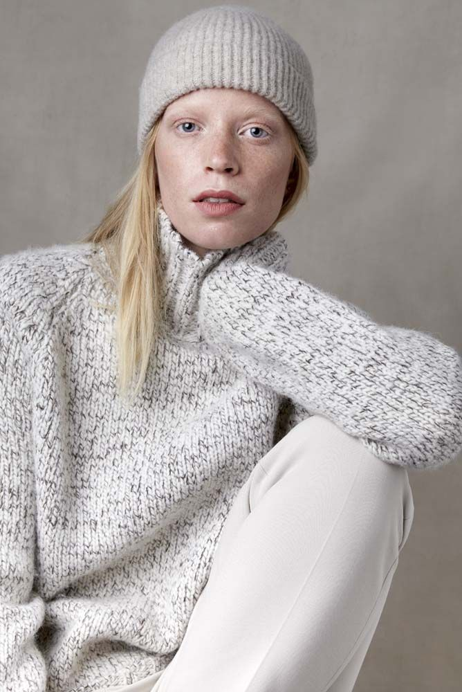 Jeroen unisex sweater natural wool mix and alpaca with model.