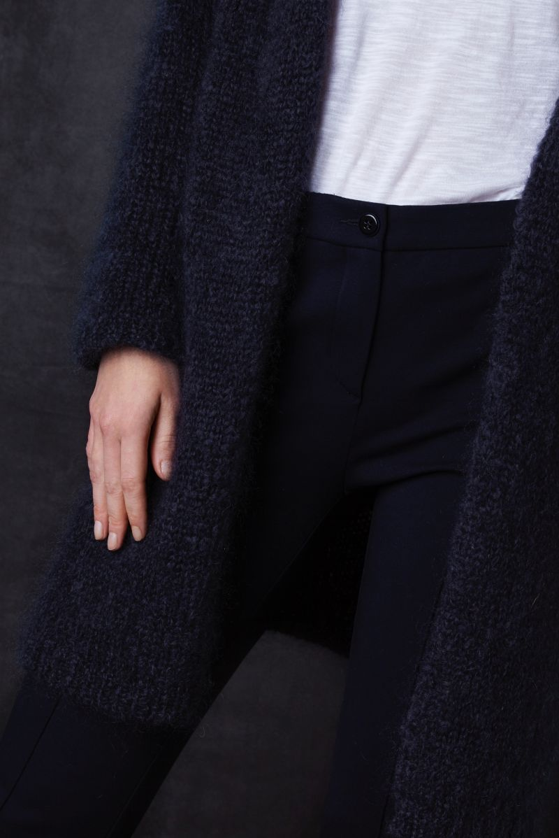 Jet long loose-fitting ladies cardigan made of mohair wool detail knit.