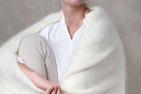 Shawl Juul mohair natural off-white.