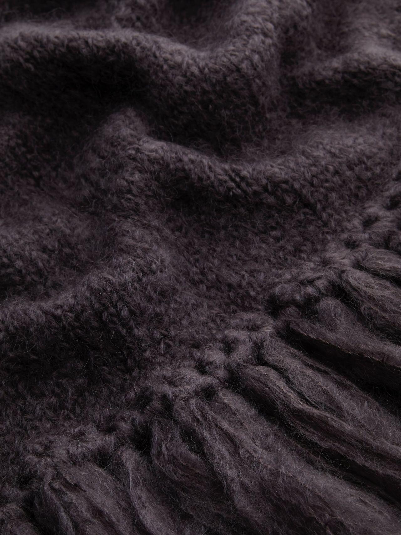 Juul mohair wool dark gray shawl from Dutch goats detail knit.