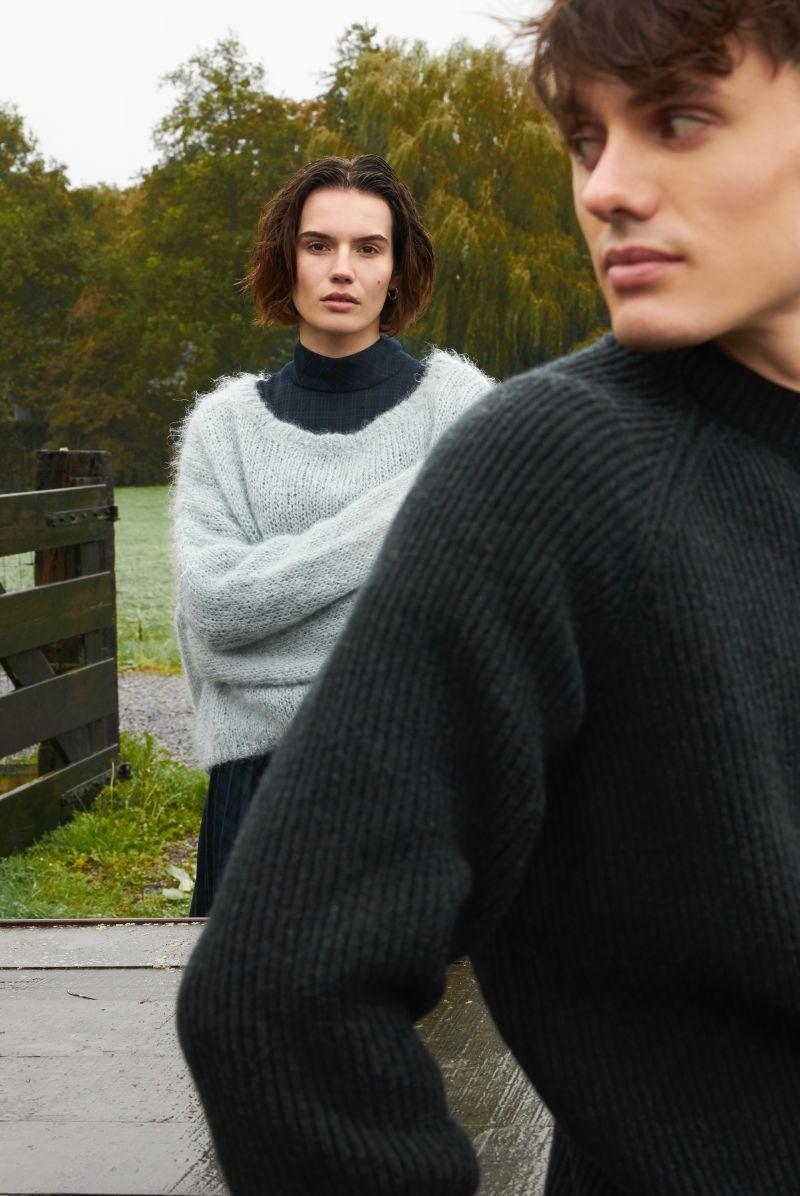 Torben men's sweater merino wool ambience picture.
